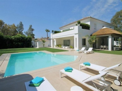 San Pedro de Alcantara, New contemporary villa in Guadalmina baja just 350 metres from the beach