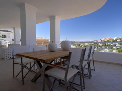 Nueva Andalucia, New 3 bedroom penthouse apartment in Nueva Andalucia