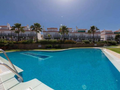 Marbella East, 3 bedroom townhouse only a 4 minute walk to the beach
