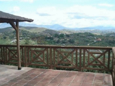 Monda, Back on Market! Large 8 bedroom finca for sale in Monda
