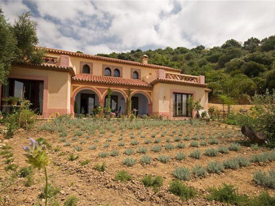 Gaucin, Stunning 4 bedroom finca for sale in Gaucin set in a 40,000m² plot with panoramic country views