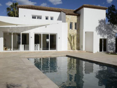 Nueva Andalucia, Fully renovated villa for sale in Nueva Andalucia just behind Puerto Banus