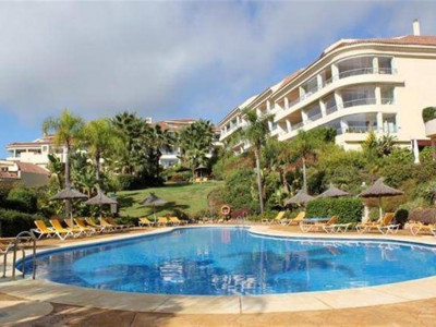 Mijas Costa, Light & bright apartment for sale in Mijas Costa in a popular sought after complex