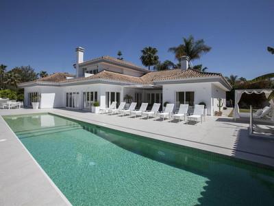 Nueva Andalucia, Contemporáneo Golf Villa en venta en Nueva Andalucia justo detrás del Puerto Banus