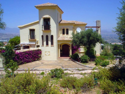 Alhaurin el Grande, Spacious house in Alhuarin el Grande on its own plot with stunning country views