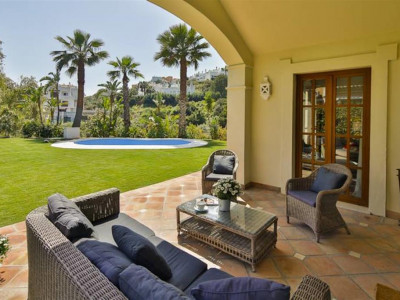 Estepona, Classical Andalucian style villa for sale in the New Golden Mile in Estepona