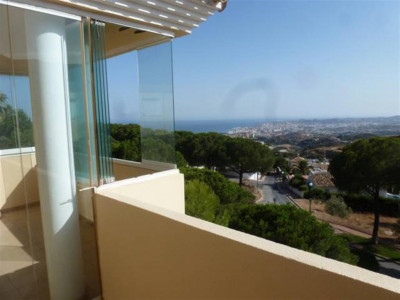Benalmadena, Semi detached villa in Benalmadena with stunning sea and coastal views