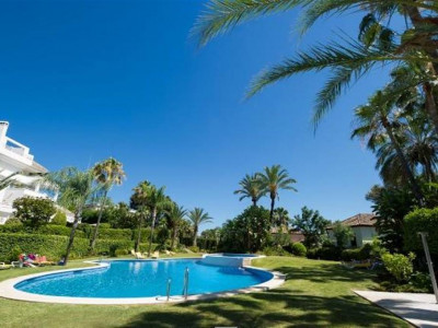 Nueva Andalucia, Stunning duplex penthouse in the Nueva Andalucia golf valley just behind Puerto Banus