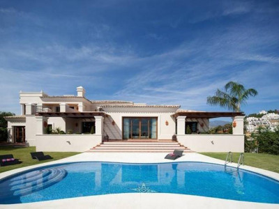 Nueva Andalucia, Exceptional new villa in the Nueva Andalucia golf valley just behind Puerto Banus