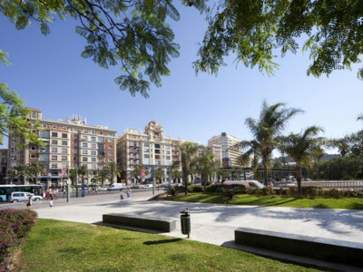 Malaga - Centre, New spacious apartment in Malaga city within walking distance to the beach and port