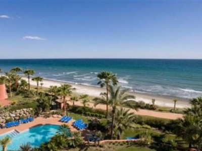 Estepona, Frontline beach Penthouse in the New Golden Mile in Estepona with stunning sea views