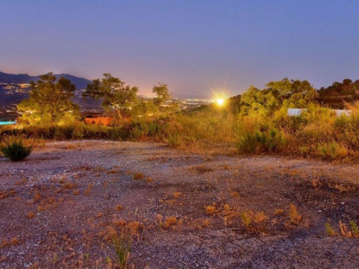 Marbella East, Plot of land in Elviria in Marbella east with sea and country views