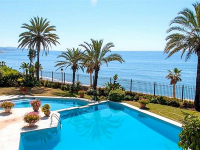 Marbella Golden Mile, Frontline beach villa / palace in the Marbella Golden Mile one minute from Puerto Banus