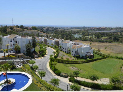 Benahavis, Duplex penthouse in Benahavis with panoramic views of the golf course and sea