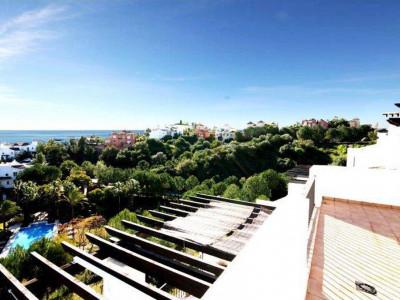 Benahavis, Stunning frontline golf penthouse apartment in La Quinta behind Puerto Banus