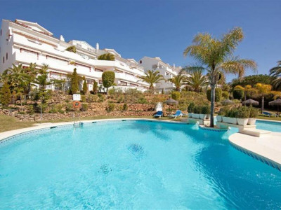 Marbella East, Beachside apartment in Elviria in Marbella east with stunning sea views