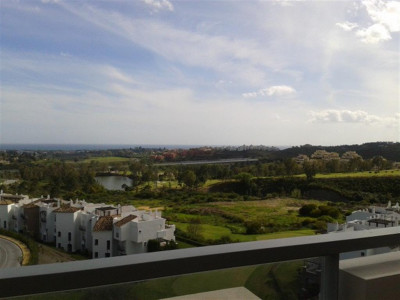 Benahavis, Fantastic duplex penthouse apartment in Benahavis with panoramic sea and golf views