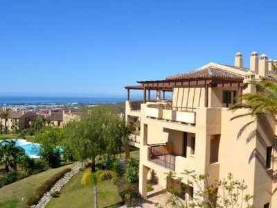 Benahavis, Huge terraces brend new penthouse in a luxury community in Banahavis