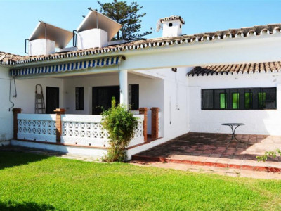 Marbella, Investment opportunity villa for sale a short walk from downtown Marbella