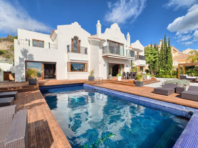 Benahavis, Completely renovated modern villa for sale in La Quinta golf