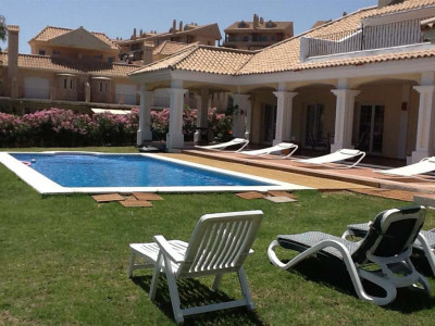 Alcaidesa, Stunning villa for sale in La ALcaidesa in the western Costa del Sol