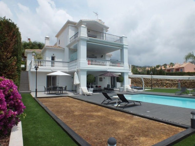 Nueva Andalucia, Beautiful villa for sale in Nueva Andalucia in the heart of the golf Valley