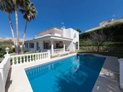 Marbella East, Spacious and quiet 4 bedroom villa in Elviria, Marbella East
