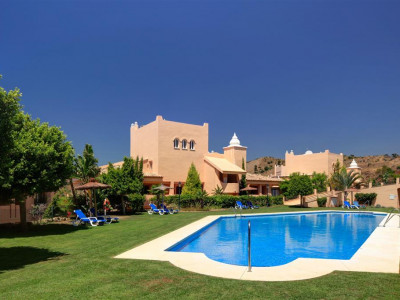 Marbella East, Stunning apartment for sale in Elviria in Marbella east just 5 minutes from the beach