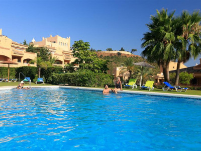 Marbella East, Stunning apartment for sale in Elviria in Marbella east in a prestigous complex