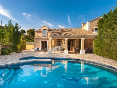 Mijas Costa, Fabulous villa for sale in La Cala de Mijas just a short drive from Fuengirola