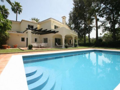 Nueva Andalucia, Fabulous southwest facing family villa situated frontline to Las Brisas golf course