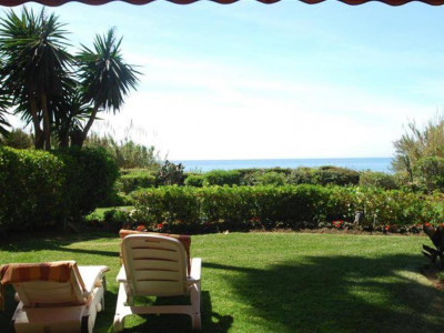 Marbella East, Luxurious garden apartment for sale in Las Chapas in Marbella east with sea views
