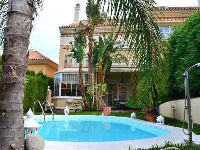 Benalmadena, Bargain but luxuriouse semi detached villa for sale in Torrequebrada in Benalmadena