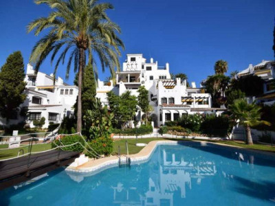 Nueva Andalucia, Beautiful and spacious 3 bedroom apartment in the heart area of Nueva Andalucia, Marbella
