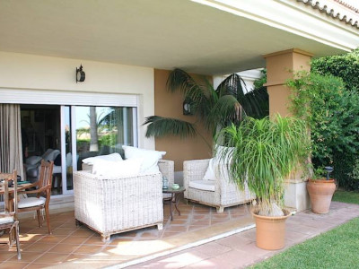 Marbella East, Beautiful and spacious semi-detached villa in the best area of Santa Clara Golf, Elviria