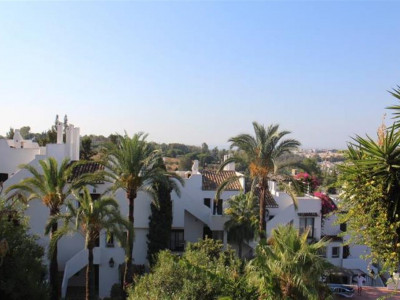Nueva Andalucia, Spacious townhouse for sale in Nueva Andalucia a short drive from Puerto Banus
