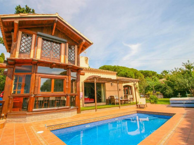 Marbella East, A Unique villa for sale in Marbella east a 10 minute drive from town