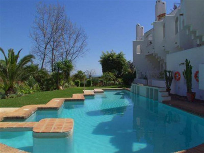 Marbella Golden Mile, Stunning townhouse for sale in a private complex in the Marbella Golden Mile