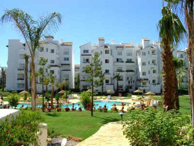 Estepona, Cozy apartment for sale in Costalita in the New Golden Mile in Estepona
