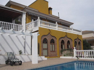 Nueva Andalucia, Beautifull villa for sale in Nueva Andalucia a 2 minute walk from Centro Plaza