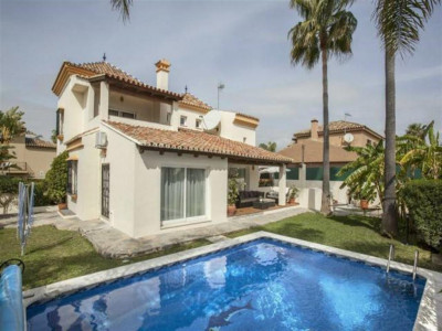 Nueva Andalucia, Fantastic villa for sale in Nueva Andalucia just behind Puerto banus