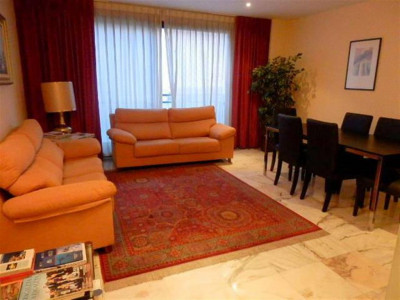Marbella, Spacious apartment for sale in the centre of Marbella close to all amenities