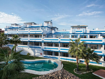 Estepona, Brand new apartment for sale in Estepona just 300 metres from the beach