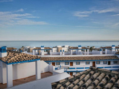 Estepona, Quality penthouse apartment for sale in Estepona with stunning sea views