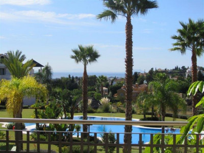 Benahavis, Quality apartment in Benehavis near the New Golden Mile on the Costa del Sol
