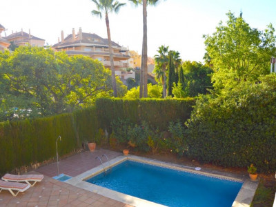 Nueva Andalucia, Lovely villa for sale in the Nueva Andalucia golf valley just behind Puerto Banus
