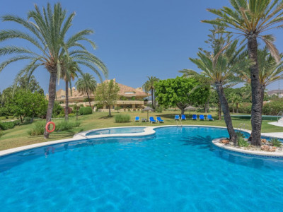 Nueva Andalucia, 3 bedroom apartment in the heart of golf course, in Nueva Andalucia, Marbella