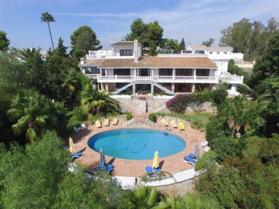 Mijas, Wonderful villa with two self contained apartments for sale in Campo de Mijas
