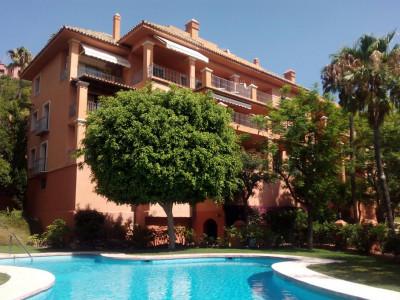 Benahavis, Luxurious apartment for sale in Benahavis within a prestigious residential complex