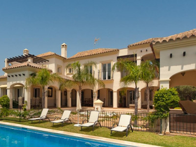 Marbella East, Beautiful second line beach villa for sale in Bahia de Marbella in Marbella east